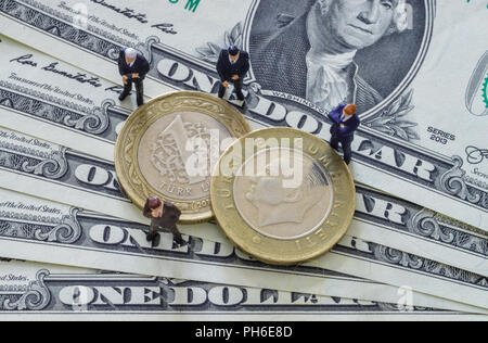 Us Dollar Livre Tuerkische Muenze Banque Dimages Photo Stock