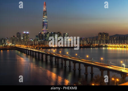Lotte tower at night Banque D'Images