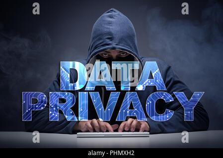 Concept de protection des données avec le vol de renseignements personnels hacker Banque D'Images