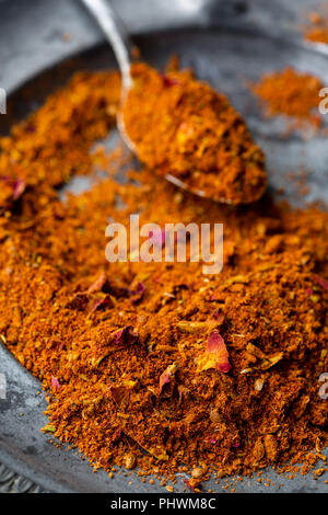Ras el hanout, un mélange d'épices d'Afrique du Nord Banque D'Images