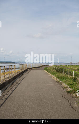 La Severn Way est une randonnée à vélo le long de la vallée de la Severn de la source à la mer. Cette section est dans la Loire, près de Bristol Banque D'Images