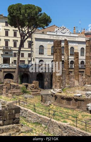 ROME, ITALIE - Le 23 juin 2017: la vue étonnante de Largo di Torre Argentina en ville de Rome, Italie Banque D'Images