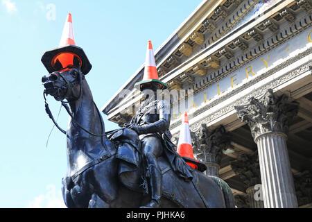 Cônes de circulation sur la statue du duc de Wellington à l'extérieur de la galerie d'Art Moderne, sont venus à représenter l'identité culturelle de Glasgow en Écosse