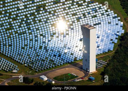 Vue aérienne, thermique solaire expérimental Jülich, four solaire, Miroir, miroir solaire, Jülich, Jülich-Zülpicher Börde, Rhénanie du Nord-Westphalie, Allemagne, Banque D'Images