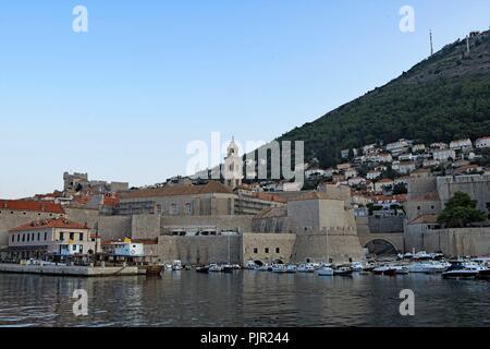 Opinions de l'entrée des ports de la vieille ville de Dubrovnik, Croatie. Banque D'Images