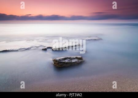 Belle photo d'un lever de soleil sur la côte d'Almeria Banque D'Images