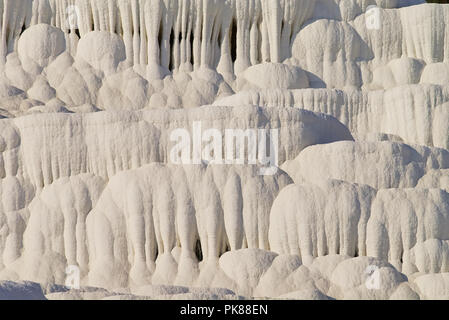 Des formations de roche de travertin de dépôts de calcium Banque D'Images