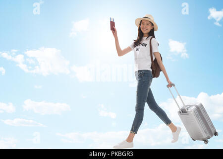 Happy girl travel Banque D'Images