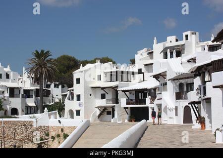 L'Espagne. Îles Baléares. Minorque. Binebeca. Binebequer - Vell. Les maisons blanchies à la chaux. Banque D'Images