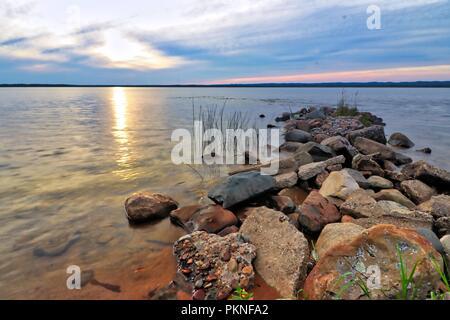 Rivière Saint Mary à Sault Ste. Marie, au Michigan à la recherche sur la rivière vers le Canada Banque D'Images