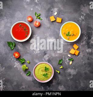 Ensemble de différents légumes soupes crème Banque D'Images