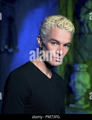 """Publicité studio toujours de 'Buffy the Vampire Slayer"""" James Marsters 2001 Photo: Andrew MacPherson Référence de fichier # 308471566THA pour un usage éditorial uniquement - Tous droits réservés Banque D'Images"""