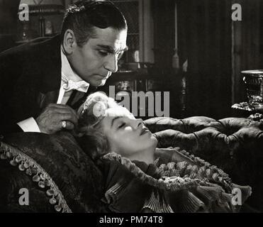 """Laurence Olivier et Marilyn Monroe, """"The Prince and the Showgirl"""" 1957 Warner de référence de dossier 30928_167THA Banque D'Images"""
