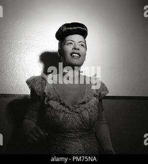 Portrait de Billie Holiday, Carnegie Hall, New York, N.Y., entre 1946 et 1948 référence # 30928_677THA Photo par: William P. Gottlieb Banque D'Images