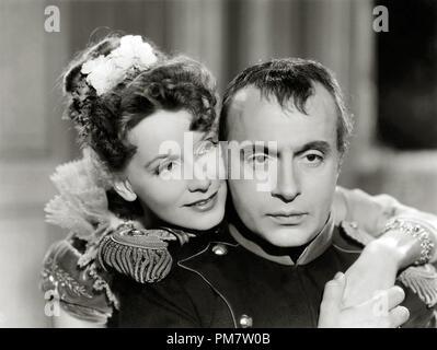 Greta Garbo et Charles Boyer, 'conquête' 1937 MGM Référence de dossier # 31386_840 Banque D'Images