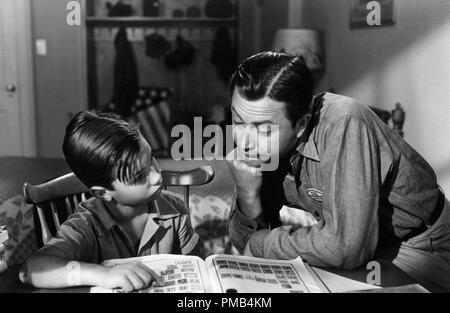Darryl Hickman, Robert Young, 'Joe Smith, American' (1942) Lowes Inc. Dossier référence # 33371_261THA Banque D'Images