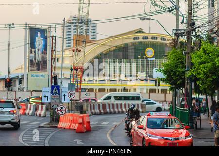 Bangkok, Thaïlande - 23 Avril 2017: La gare de Bangkok ou Hua Lamphong Gare, Vue avant de la rue.Cette station est la principale gare de stati Banque D'Images