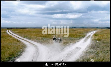 Prod DB © Pervoe - Kinopartnerstvo 2Plan2 / DR EUPHORIE (EYFORIYA) de Ivan Vyrypayev RUS 2006. campagne, moto Banque D'Images
