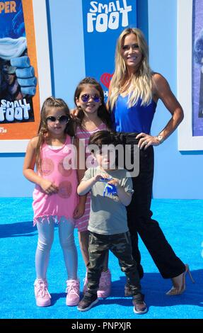 Los Angeles, CA, USA. 22 Sep, 2018. au niveau des arrivées pour SMALLFOOT Premiere, Regency Village Theatre - Westwood, Los Angeles, CA Septembre 22, 2018. Credit : Elizabeth Goodenough/Everett Collection/Alamy Live News Banque D'Images