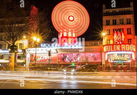 Le Moulin Rouge , Paris, France. C'est un célèbre cabaret construit en 1889, la localisation dans Paris red-light district de Pigalle Banque D'Images