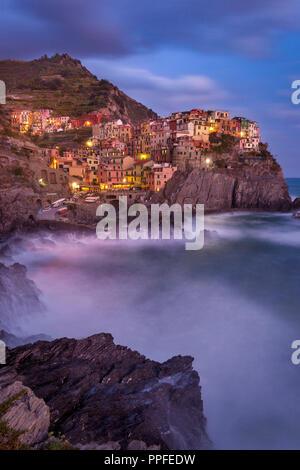 Le village médiéval de Manarola dans les Cinque Terre, ligurie, italie