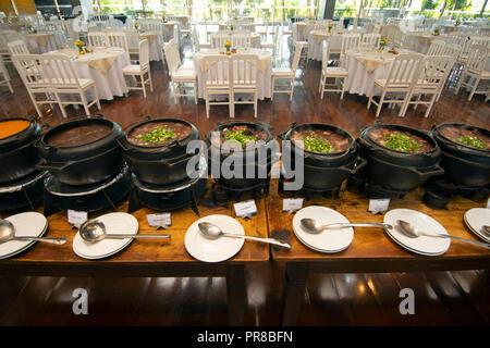 La feijoada brésilienne traditionnelle, un plat national à base de haricots noirs, Sao Paulo, Brésil Banque D'Images