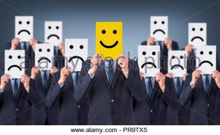 Dessin sur carton visage sourire Banque D'Images