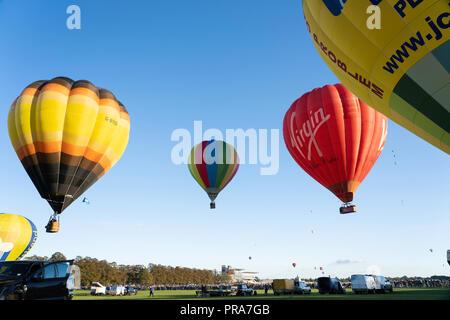 Ballon à air chaud de masse au lancement Balloon Fiesta de New York,New York,Knavesmire,North Yorkshire, Angleterre, Royaume-Uni. Banque D'Images