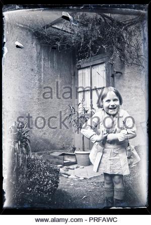 Petit enfant souriant France circa 1930 Banque D'Images