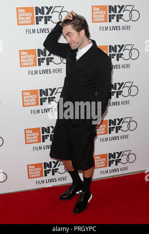 New York, États-Unis. 09Th Oct, 2018. NEW YORK, LE 2 OCTOBRE : l'acteur Robert Pattinson assiste à la 'vie' premiere à l'Alice Tully Hall le 2 octobre 2018 à New York. Crédit : l'accès Photo/Alamy Live News Banque D'Images