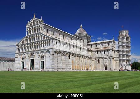 Piazza del Duomo à Pise, basilique et de la tour de Pise, Italie Banque D'Images
