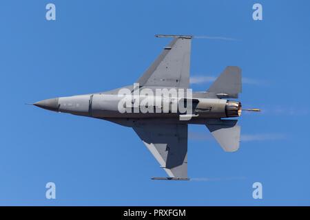United Staes Air Force (USAF) Lockheed F-16CJ Fighting Falcon 90-0824 du 14e Escadron de chasse, 35e Escadre de chasse à Misawa Air Base, le Japon.