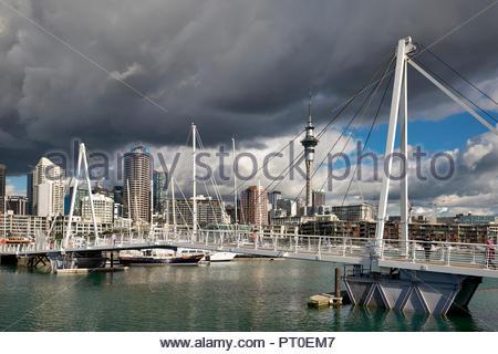 Auckland Nouvelle Zélande. L'horizon du port Viaduct Banque D'Images