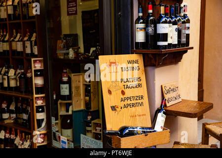 Toscane Italie, vin offre la dégustation de vin à Pienza,Toscane,Italie Banque D'Images