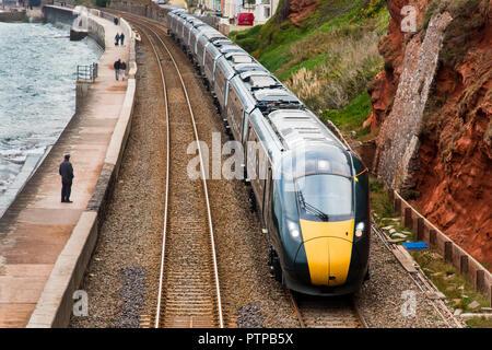 Exmouth, Devon, UK - 04 OCT 2018: classe GWR 800/802 Train à grande vitesse au nord de Exmouth. Banque D'Images