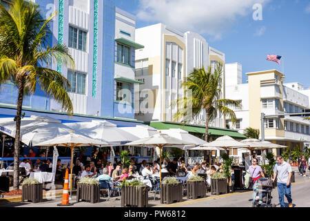Floride, FL, Sud, Miami Beach, SoBe, quartier art déco, « Ocean Drive », le jour de l'an, Casablanca, hôtels hôtels hôtels hôtels motel motels, rue, si
