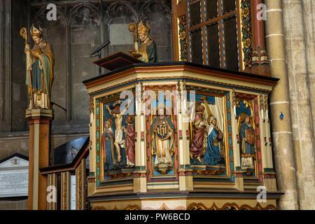 UK, Kent, Canterbury, Canterbury Cathedral interior, Nef, Chaire, érigé en 1898 en mémoire de Robert Dean Payne-Smith Banque D'Images