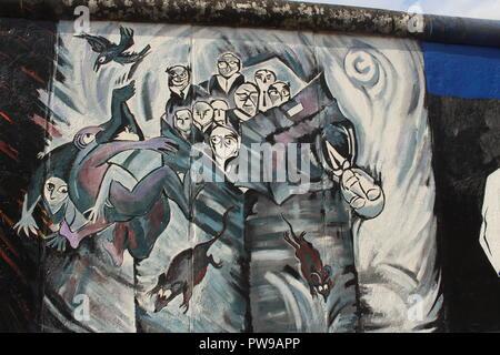 Karlshorst Berlin peinture par Ulrike Zott, East Side Gallery, mur de Berlin (Berliner Mauer), Berlin, Allemagne Banque D'Images