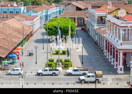 Vue depuis le clocher de la cathédrale jusqu'à Plazoleta de los Leones, Granada, Nicaragua, Amérique Centrale Banque D'Images