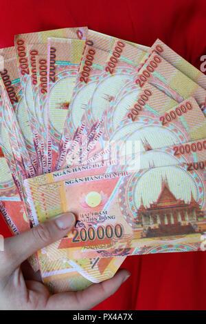L'enfer les billets de banque et d'autres formes de joss papier. Notre annuaire d'entreprises. Le Vietnam. Banque D'Images