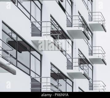 DESSAU, ALLEMAGNE - 13 juin 2014: l'école d'art Bauhaus emblématique bâtiment conçu par l'architecte Walter Gropius en 1925 est une œuvre de modern Banque D'Images