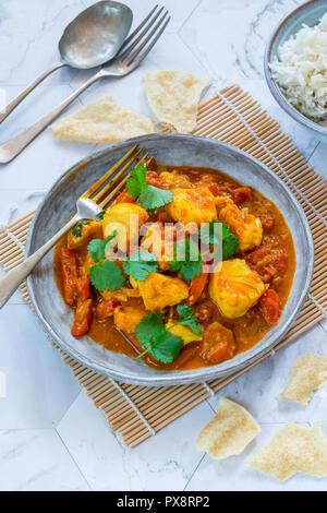 - Mappas poisson style Keralan coconut curry de poisson avec du riz. C'est un plat populaire dans le sud de l'état indien du Kerala. High angle view