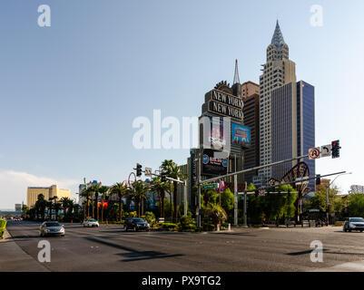 L'Hôtel New York New York et la signalisation sur le boulevard principal de Las Vegas à Las Vegas, Nevada, USA le 13 août 2018 Banque D'Images
