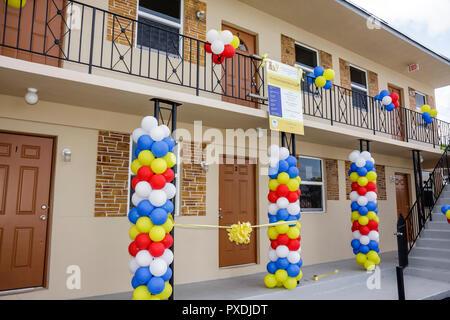Floride, FL, Sud, Miami, Overtown, Community Redéveloppement Agency, remise en état Affordable Housing Ribbon Cutting Ceremony, restauration de quartier Banque D'Images