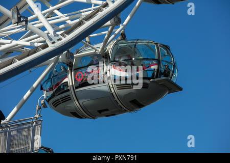 Détails de la Coca-Cola London Eye sur la rive sud de la Tamise, Londres, Royaume-Uni, une grande roue d'observation en porte-à-faux géant, populaire auprès des touristes. Banque D'Images