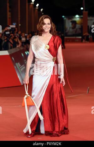 L'Italie, Rome, 24 Octobre 2018: Festival du Film de Rome en 2018, Sigourney Weaver assiste au tapis rouge Photo © Fabio Mazzarella/Sintesi/Alamy Live News Banque D'Images