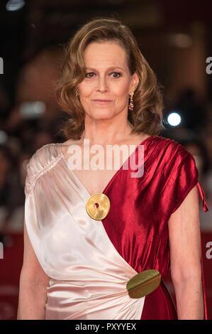 Rome, Italie. 24 octobre, 2018. Sigourney Weaver, marche le tapis rouge lors de la 13ème Festival du Film de Rome à l'Auditorium Parco della Musica, le 24 octobre 2018 à Rome, Italie. Credit: Geisler-Fotopress GmbH/Alamy Live News Banque D'Images