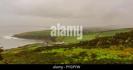 Côte de l'anneau de Kerry sur une journée irlandaise des pluies Banque D'Images