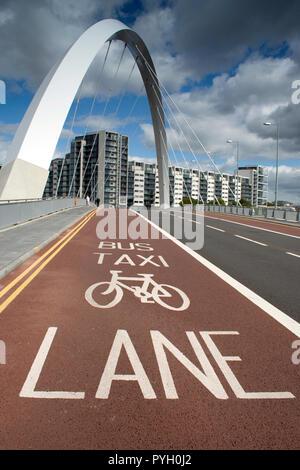 Clyde Glasgow, pont d'Arc. Connu localement sous le nom de 'Squinty Bridge'.