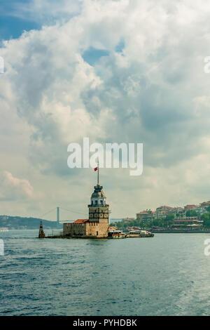 Tour de la jeune fille (Kis Kulesi) dans le Bosphore, Istanbul, Turquie. Banque D'Images